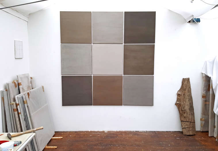 Multiple Choice | 2019 | soil from Bavaria, Germany with acrylic on cotton | ca. 185 x 185 cm, ea. 60 x 60 cm